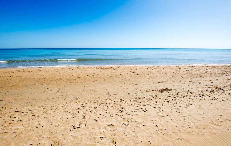 a 30 metros de la playa de Guardamar del Segura