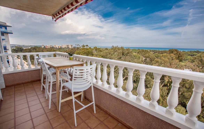apartamento con vistas panoramicas al mar en guardamar del segura